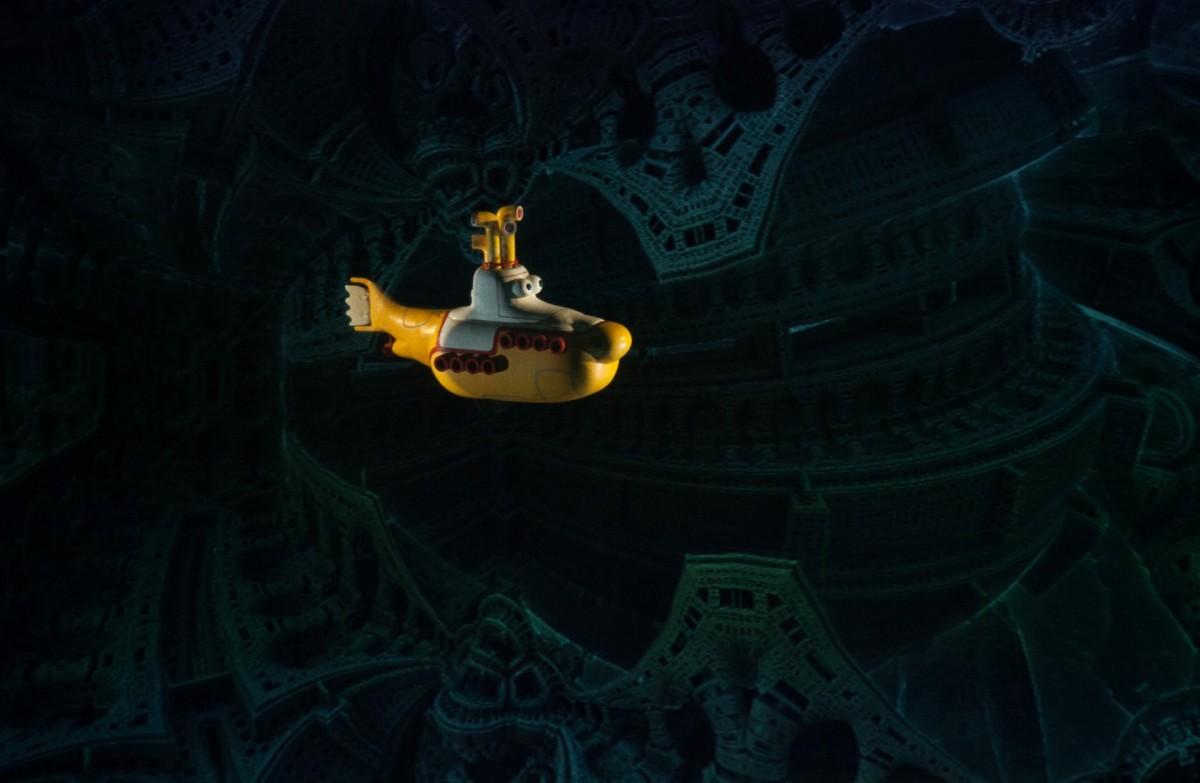 Submarinul galben în lumea fractalilor