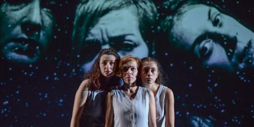 """""""Burqa și basma"""", la trei festivaluri online"""